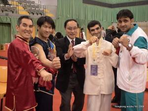 香港国際大会で武術協会会長と
