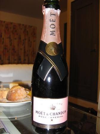 blog_champagne241208.jpg