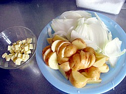 ベネッセ 煮込みハンバーグとサフランライス5