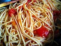 チーズとガーリックのトマトパスタ4