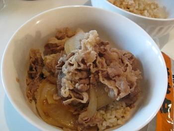 吉野家牛丼6玄米2