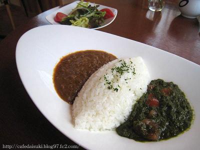 """cafe """"K""""◇インドカレー(キーマカレー&ほうれん草とトマトのカレー)"""