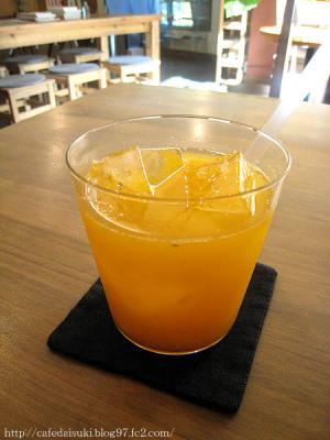 CAFE TERVE!◇生しぼりオレンジジュース