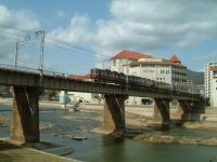 宝塚の橋の上1
