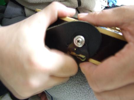 4 090205 straplock