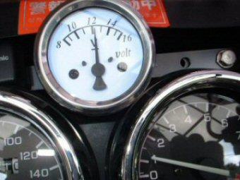エンジン回転数と電圧