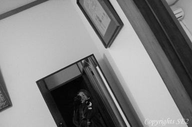 ちぃくん抱っこして鏡に向かってセルフポートレイト♪