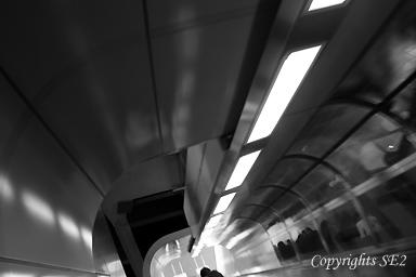 東京駅エスカレーター