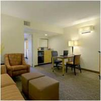 LAXDWES_Embassy_Suites_Los_Angeles-Downey_room_type_TDBN_1.jpg