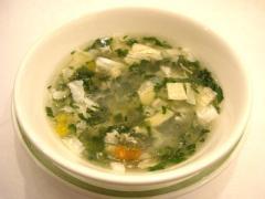 冬瓜と刺身湯葉の翡翠スープ