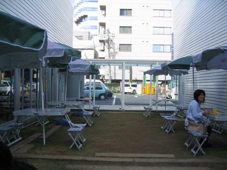 13-cafe.jpg
