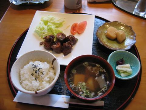 和牛の野菜巻きでしゅね。