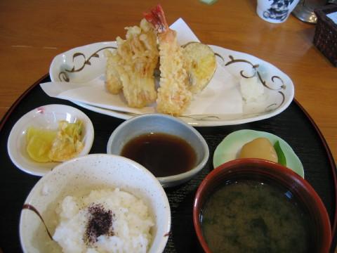 天ぷらの盛り合わせ~。