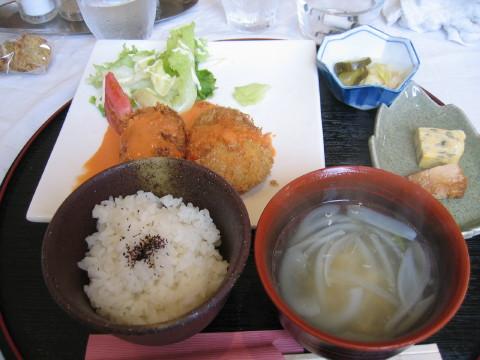 お肉たっぷりコロッケランチ~☆