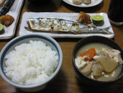 夕飯のサンマ