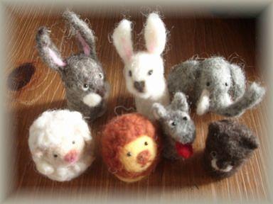 羊毛で指人形