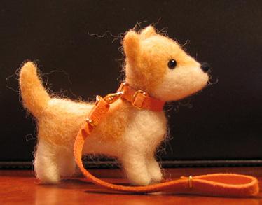 珍しい「差し尾」の柴人形