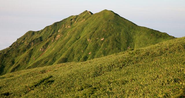 牛首山と櫛ヶ峰