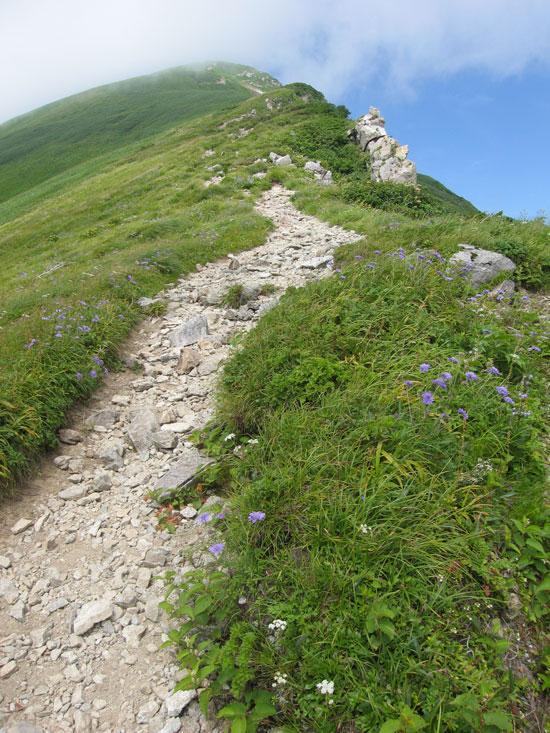 北股岳への登り