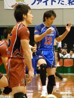 柴田さん is not dancing.