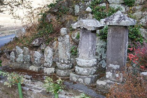 正伝院の石仏