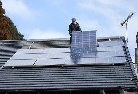 ソーラーパネル取り替え