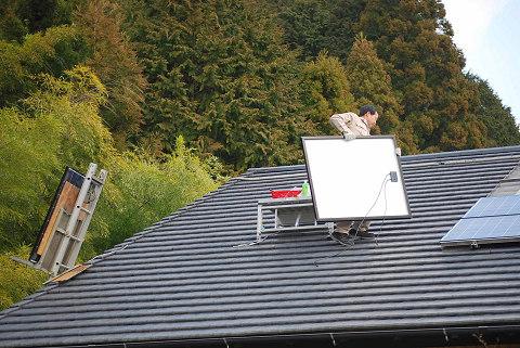 屋根の上げられたパネル