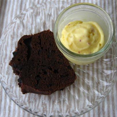 ダブルチョコレートケーキとさつま芋アイス