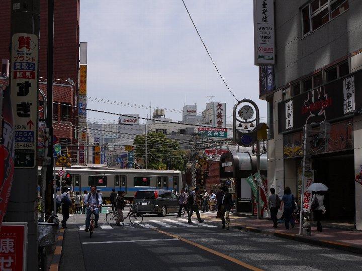 栄通り商店街から見た駅方向