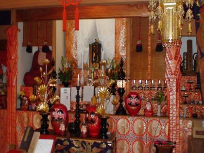 須弥壇中央の毘沙門尊天