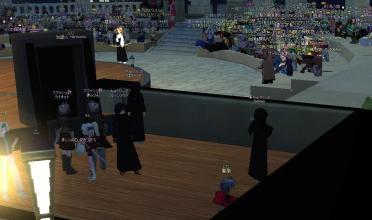 舞台裏から観客席を覗く