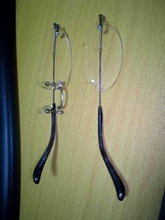 割れた眼鏡