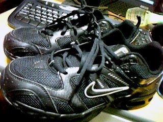 靴 2009年8月21日 数年ぶりに買い換えたランニングシューズ