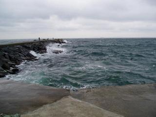 荒れる竜島