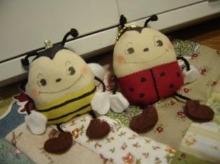 ミツバチとてんとう虫♪