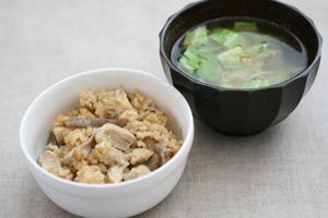 鶏肉と舞茸の炊き込みご飯