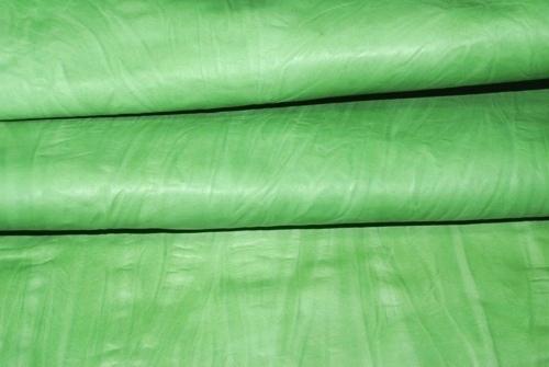 ライトグリーン革