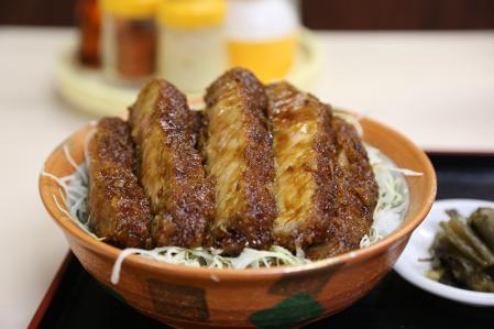 中華料理 田村 黒豚ソースかつ丼 アップ