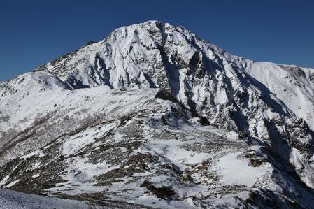 ボーコン沢の頭から北岳を望む
