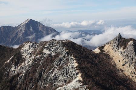 鳳凰三山 観音岳から地蔵岳、甲斐駒を望む