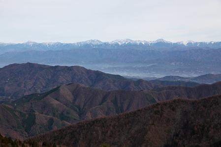 富士見台より南アルプスを望む。