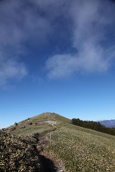 富士見台頂上を振り返る