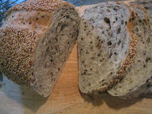 ゴマのパンというより、ゴマだらけのパン