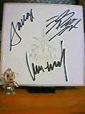 バスター君とサイン色紙。