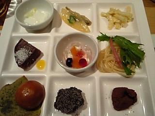「ランチビュッフェ」柿安三尺三寸箸(福岡市)