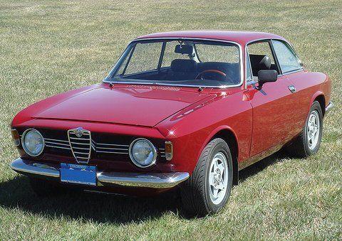 1967_Alfa_Romeo_Giulia_Spring_GT_Front_1.jpg