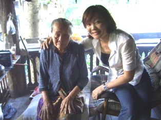 ゲーオばあさんと昭恵さん