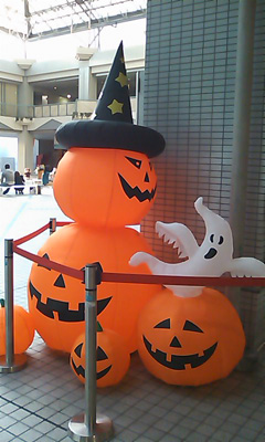 101017_halloween1.jpg