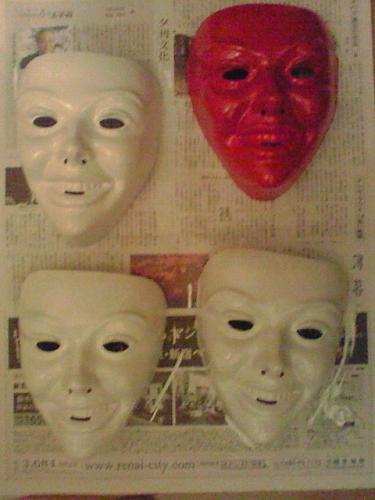 先行量産型マスクとシャ○専用マスク