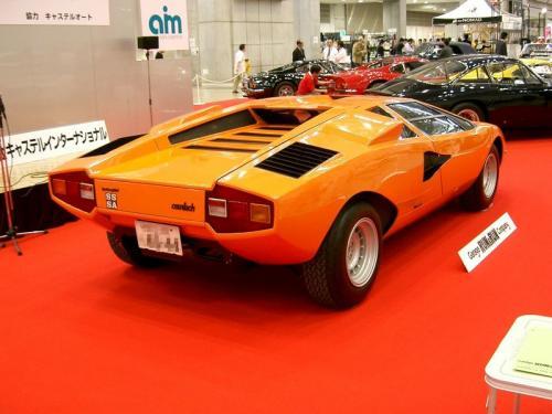 800px-Lamborghini_Countach28rear-side29.jpg